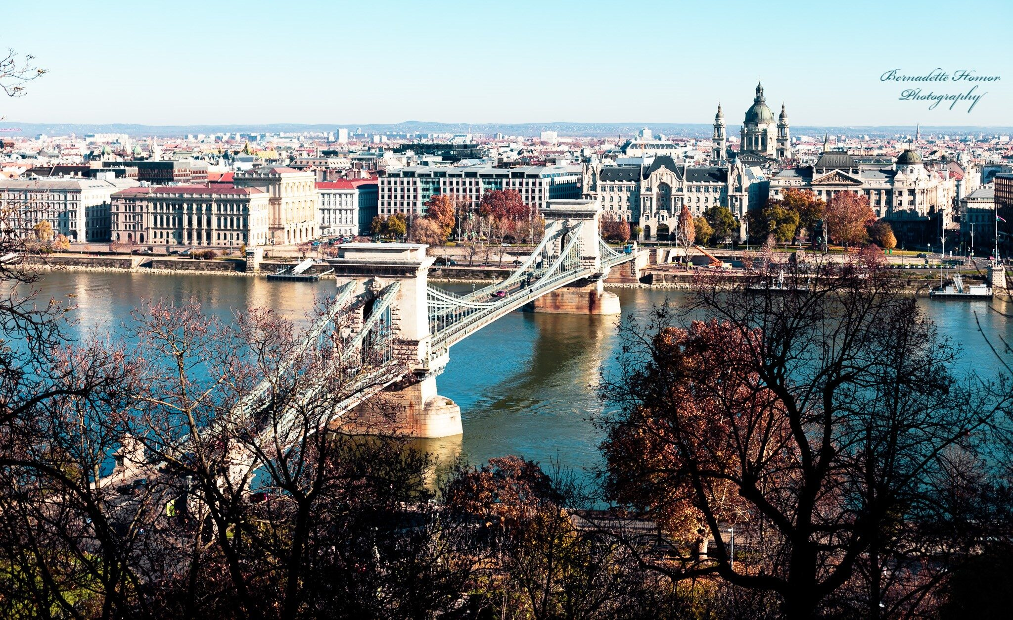 Panoramic view of Chain Bridge