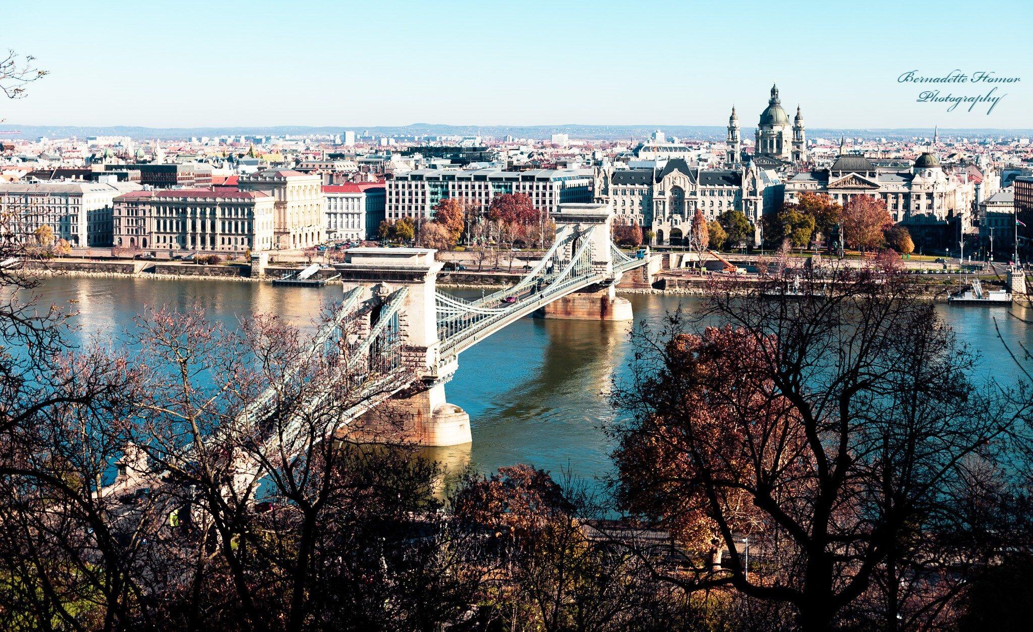 Panoramic view of Chain Bridge