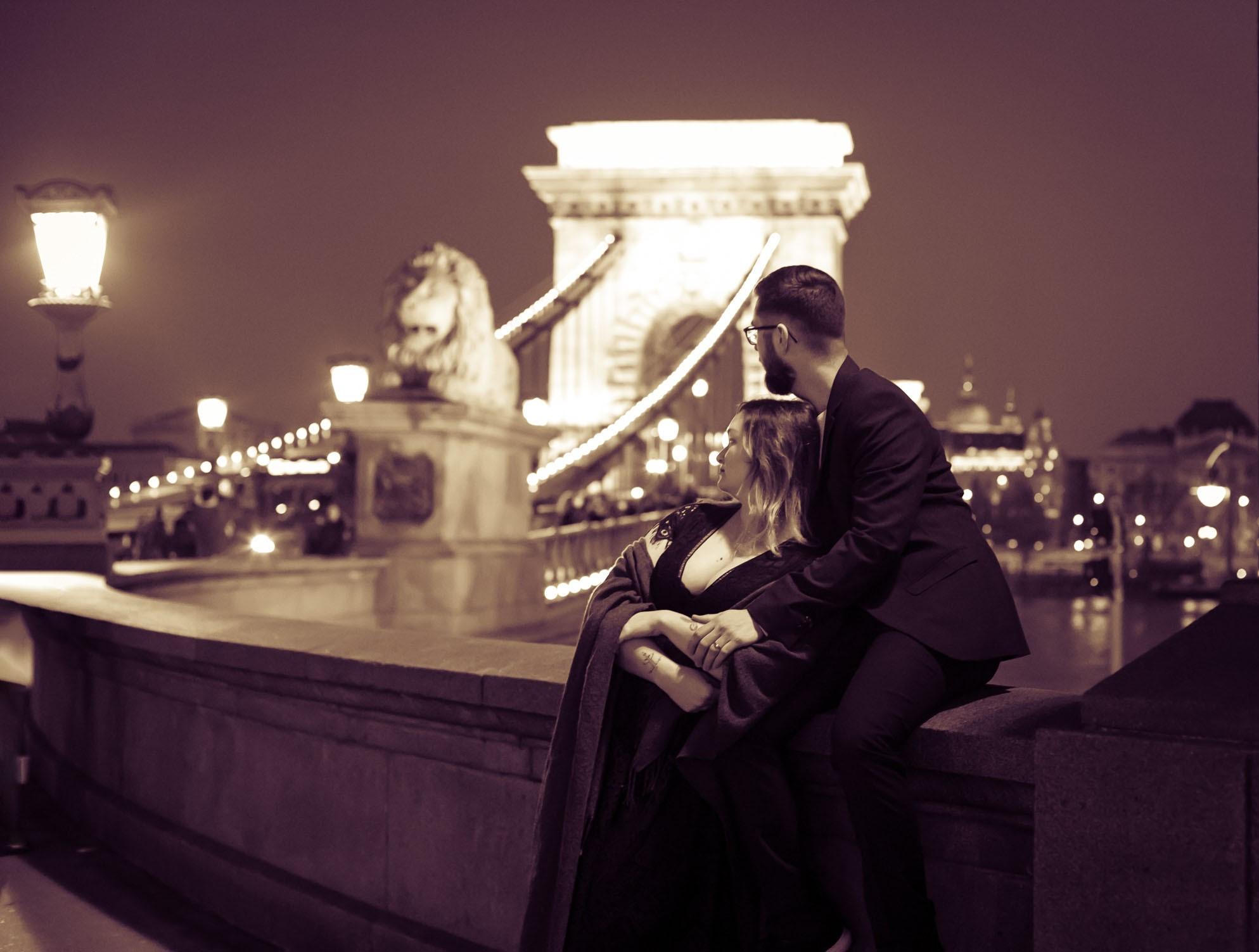 Romantic evening Chain Bridge Portrait